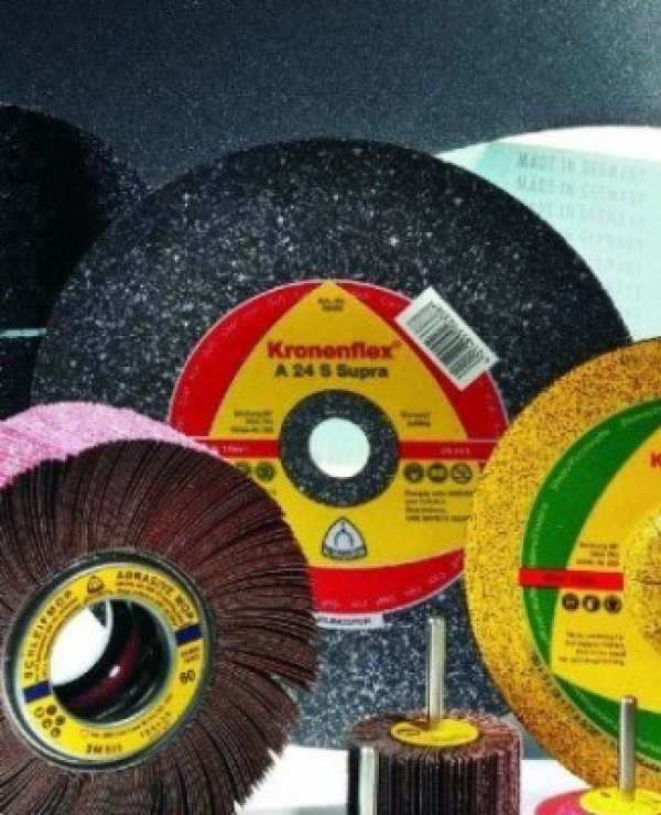 Flap discs versus grinding wheels, which is better? Well that depends…